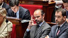 Streit über Umgang mit Macron: Frankreichs Premier droht Parteiausschluss
