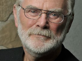 Wolfgang Pampel ist die Stimme hinter den Dan-Brown-Hörbüchern.