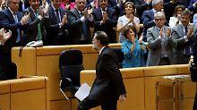 Machtkampf in Spanien: Rajoy setzt Puigdemont ab