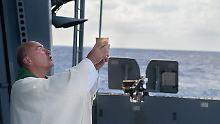 Militärpfarrer und ewiges Leben: Vor Libyens Küste ertönt das Wort Gottes