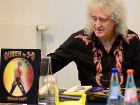 Brian May bei der Präsentation des neuen Werks auf der Frankfurter Buchmesse.