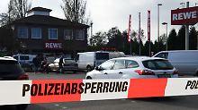 Täter auf der Flucht: Mann vor Bremer Supermarkt erschossen
