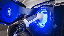 Strom tanken in der Kaffeepause: Autobauer planen schnelle E-Ladestationen