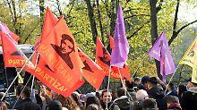 Verstoß gegen Fahnenverbot: Polizei stoppt Kurden-Demo in Düsseldorf