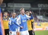 Marvin Duksch eröffnet den Torreigen der Kieler gegen Dynamo Dresden.