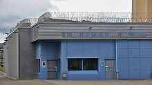 Übergriff im Gefängnis: JVA-Häftling soll Ehefrau vergewaltigt haben