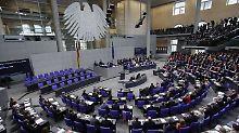 Gericht stärkt Opposition: Regierung muss mehr Auskünfte geben