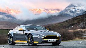 Der Aston Martin Vantage V12 ist gefühlt der Kleinste im Reigen der 12er.