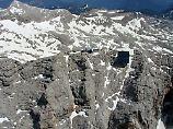Notrufe bleiben lange ungehört: Bergsteiger überlebt fünf Tage in Felsspalte