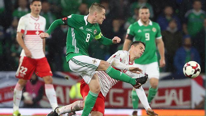 Eine Fehlentscheidung könnte Nordirland die WM-Teilnahme kosten.