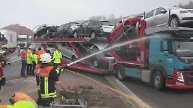 Nach tödlichem Unfall auf A3: Feuerwehr bespritzt Gaffer mit Wasser