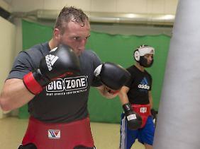 """""""Ich gehe locker in dieses Duell, weil ich nichts zu verlieren habe"""": Profi-Boxer Enrico Kölling ist vor seinem Kampf gegen Artur Beterbiew die Ruhe in Person."""