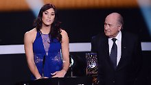 Sexuelle Belästigung: Hope Solo beklagt Po-Grapscher von Blatter