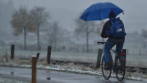 Nasskalter Wochenstart: Montag bringt Glatteis und Dauerregen im Süden