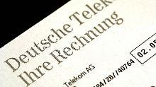 Laut Telekom-Konditionen fallen bei Kreditkarten-Nutzung pauschal ein Euro pro Verbindung sowie im deutschen Festnetz 50 Cent in der ersten Minute an.