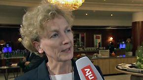 """Sabine Bendiek beim SZ-Wirtschaftsgipfel: """"Müssen uns auf Chancen von künstlicher Intelligenz fokussieren"""""""