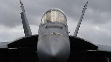 Der Pilot steuerte eine F-18. Allerdings nicht so, wie vorgesehen.