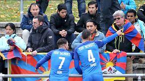 Misslungener Regionalliga-Einstand: Fahnenappell treibt Chinas U20 vom Platz