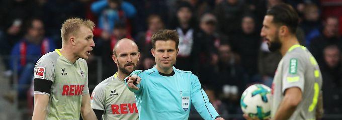 Elfmeter für Mainz. Jetzt wissen wir: Felix Brych war schlecht beraten.