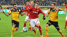 Dem 1. FC Kaiserslautern ist in der 2. Fußball-Bundesliga ein Überraschungserfolg gegen die SG Dynamo Dresden gelungen.
