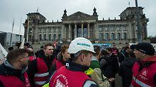 """""""Job-Kahlschlag"""" in Deutschland?: Spitzenpolitiker kritisieren Siemens"""