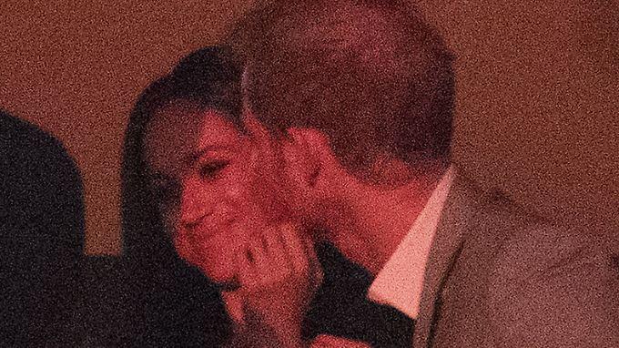 Neulich in Toronto: Prinz Harry geht mit Meghan Markle auf Tuchfühlung.
