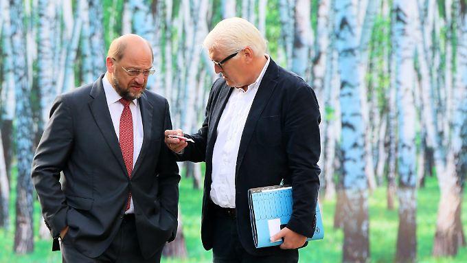 Man kennt sich: Bundespräsident Steinmeier (r.) empfängt heute Martin Schulz (hier im Jahr 2014).