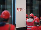 """Noch """"wesentliche Mängel"""": BER-Chef hält an Zeitplan für Bauende fest"""
