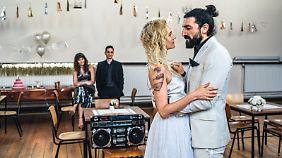 Hochzeit im Knast - schon speziell, aber nicht hoffnungslos.