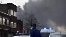 Großbrand im Süden von Brüssel: Belgische Waffelfabrik geht in Flammen auf