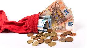 Der Sparstrumpf ist in Deutschland nicht wegzukriegen - tut den Ersparnissen aber nicht gut.