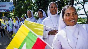 in Myanmar gibt es nur 700.000 gläubige Katholiken.