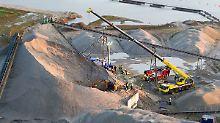Grubenunglück im Münsterland: Kieslawine verschüttet vier Arbeiter