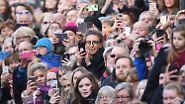 Harry und Meghan in Nottingham: Briten feiern Traumpaar beim ersten Termin