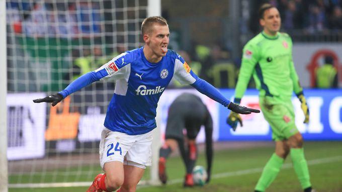 Dominick Drexler sorgte für die zwischenzeitliche Kieler Führung gegen Fortuna - doch die schlug zurück.