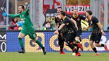 Der Sport-Tag: Fußballmärchen: Keeper schießt Last-Minute-Tor des Jahres
