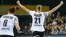 Zweiter Sieg bei Heim-WM: DHB-Frauen stoßen Achtelfinal-Tür weit auf