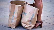 Primark für die Tonne: Läden protestieren gegen Wegwerfmentalität