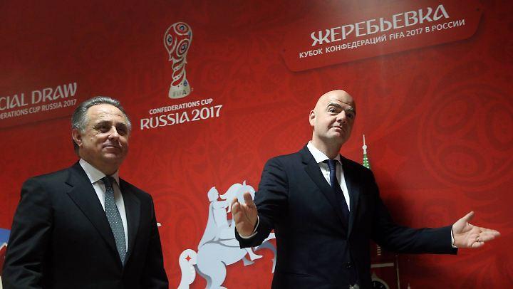 Gute Freunde kann niemand trennen: Witali Mutko (L.) und Fifa-Chef Gianni Infantino.