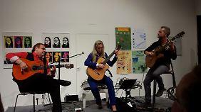 Der Gitarrenabend mit El Macareno, Nadja Kossinskaja und Silvio Schneider (v.l.) war ein tolles Erlebnis.