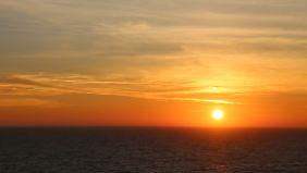 Auch das ist Kreuzfahrt: traumhafte Sonnenuntergänge über dem Mittelmeer und viele schöne Eindrücke aus den besuchten Städten.