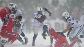 Bis zum 4. Quarter kämpfen die Colts mit Running Back Frank Gore gegen die drohende Niederlage, ...
