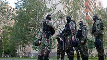 Bomben und Sturmgewehre gefunden: Geheimdienst vereitelt Anschläge in Moskau