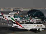 Der Tag: A380 malt riesigen Weihnachtsbaum über Deutschland