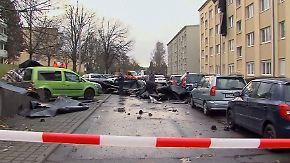 Stürmische Vorweihnachtszeit: Windhose deckt Mehrfamilienhaus in Gera ab