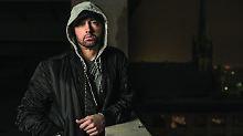 """Auf """"Revival"""" wund vor Wut: Eminem zeigt Trump den Mittelfinger"""