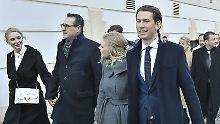 In Regierungsverantwortung: Sebastian Kurz und Heinz-Christian Strache mit Anhang.