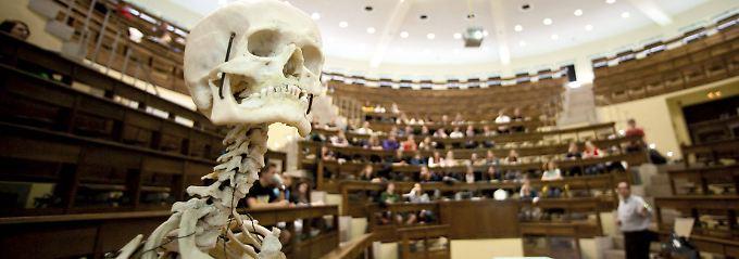 Gericht könnte NC kippen: Medizinstudium auch ohne Einserschnitt