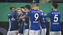 Königsblauer Pokaljubel: Schalke 04 ringt 1. FC Köln nieder