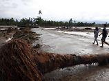"""Tropensturm """"Tembin"""": Frau wird nach zwei Tagen aus Meer gerettet"""